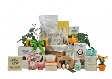 Blissful Pamper Gifts For Mum Delivery