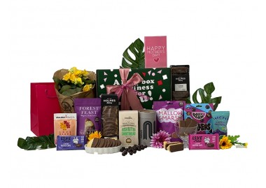 Flowers and Treats for Mum Gift Box