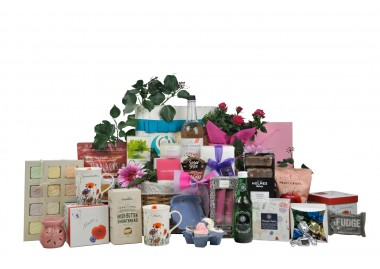 Globetrotting Mother's Hamper