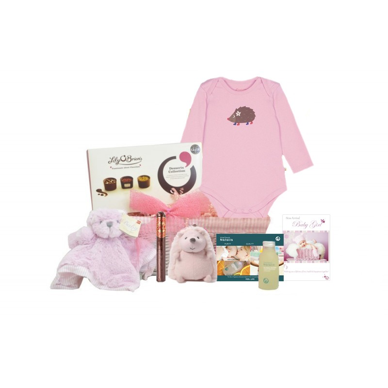 Baby Gift Delivery London : Mummy daddy and me baby girl gift basket uk